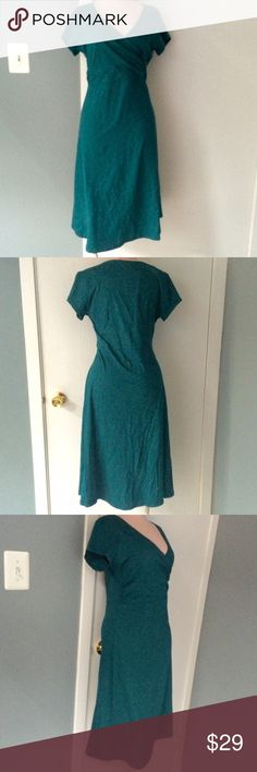 🆕 Listing! Flattering Teal Dress by Horny Toad Lovely & comfortable teal green mid length dress size M (runs slightly small will most likely fit anywhere from size 4-8, plenty of stretch in material) by Horny Toad Co. Dress has a very flattering twisted wrap design on top and a fun & flowing a-line skirt that hits a couple inches below the knee (on a 5'6 frame). High quality durable & comfortable fabric 48% organic cotton, 48% tencel lyocell and 4% spandex. Great condition, only worn a…
