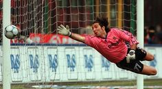 Who are the best goalkeepers in football history. Part I ... 25  PHOTOS        ... Gianluigi Buffon, Fabien Barthez, Lev Yashin, Oliver Kahn ...        More details:         http://softfern.com/NewsDtls.aspx?id=1071&catgry=6            #Peter Schmeichel, #Oliver Kahn