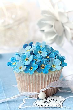 Forget me not wedding cupcakes.