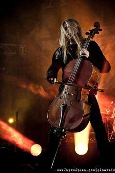 Apocalyptica ❤•♥.•:*´¨`*:•♥•❤ Eicca