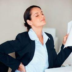 Ci aspetta un anno intero fatto di otto ore al giorno seduti a un scrivania e il nostro collo così come le spalle e tutta la zona lombare al solo pensiero rabbrividiscono. Segui i nostri consigli per non farti trovare impreparata.