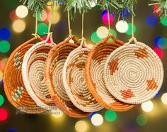 Southwestern woven basket ornament sets are the perfect southwest accents for this Christmas season. Southwestern Christmas Ornaments, Mexican Christmas, Cowboy Christmas, Christmas Ornament Sets, Primitive Christmas, Christmas Colors, Rustic Christmas, Christmas Crafts, Primitive Fall