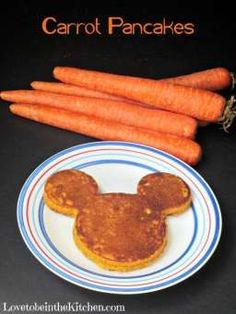 Pancakes Carrot Pancakes- A kid favorite and an easy way to add veggies in their diets!Carrot Pancakes- A kid favorite and an easy way to add veggies in their diets! Healthy Kids, Healthy Snacks, Healthy Recipes, Carrot Pancakes, Carrot Cake, Eating Carrots, Hidden Veggies, Toddler Snacks, Picky Toddler Meals