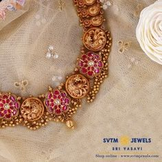 Antique Jewellery Designs, Gold Jewellery Design, Gold Jewelry, Gold Bangles, Women Jewelry, Short Necklace, Gold Necklace, Necklace Set, Small Necklace