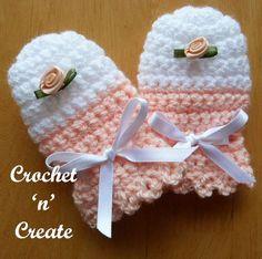 Cute & cuddly baby scratch mitts, free crochet pattern. #babycrochet