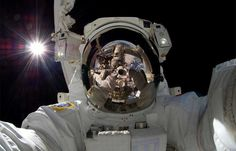 japanese-astronaut-self-portrait