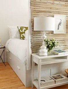 DIY slat-wall room divider for that oh-so-small Paris apartment.