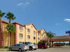 Kingsville (TX) Comfort Inn United States, North America Comfort Inn is a popular choice amongst travelers in Kingsville (TX), whether exploring or just passing through. The hotel offers a wide range of amenities and perks to ensure you have a great time. Wi-Fi in public areas, car park are just some of the facilities on offer. Air conditioning, telephone, internet access – LAN (complimentary), television, satellite/cable TV can be found in selected guestrooms. The hotel offer...