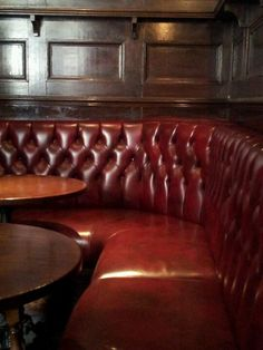 London pub seating