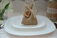 10 x HESSIAN RUSTIC WEDDING FAVOR BAGS PERSONALIZED GIFT BURLAP SACK WOOD TAG