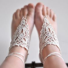PATTERN ONLY (PDF File) - barefoot crochet sandals, soleless, beach, accessories, how to make via Etsy Crochet Sandals, Crochet Shoes, Crochet Slippers, Crochet Clothes, Knit Crochet, Crochet Baby, Barefoot Sandals Pattern, Barefoot Shoes, Moda Natural