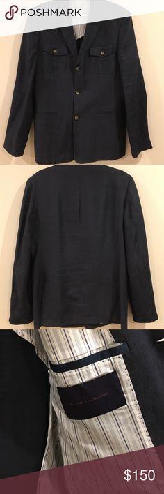 Elie Tahari Blue Linen Blend Blazer Elie Tahari blue linen blend blazer. Double vent with brown tortoiseshell buttons. It's in beautiful condition. Size is 40R Elie Tahari Suits & Blazers Sport Coats & Blazers