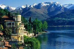Jolie vue du lac de Côme Italie Bellagio, Lombardia, Alpes italiennes Italy Tourism, Italy Travel, Bellagio Italie, Project Place, Destinations, Italian Garden, Lake Como, Florence Italy, Great Lakes