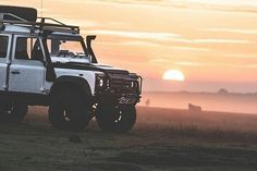 By @faber_photography_ #landrover #defender110csw #landroverdefender #landroverphotoalbum #4x4 #sunset