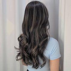 Hair Color Streaks, Hair Color Dark, Hair Color For Black Hair, Korean Hair Color, Hight Light, Dark Hair With Highlights, Brown Hair Balayage, Dye My Hair, Aesthetic Hair