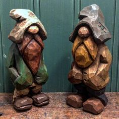 Bros catching up #woodcarving #woodworking #carving #whittling #caricaturecarving #woodcraft