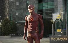'The Flash' Season 3 Spoilers: Major DC Hero to Appear? - http://www.hofmag.com/the-flash-season-3-spoilers-major-dc-hero-appear/173249