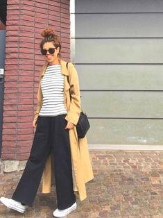 ミニマリスト女子のワードローブ!クローゼットに欲しいお洋服10着 - Latte Chic Outfits, Fashion Outfits, Womens Fashion, Fashion Trends, Milan Fashion Weeks, New York Fashion, Theatre Outfit, Posh Clothing, Tokyo Fashion