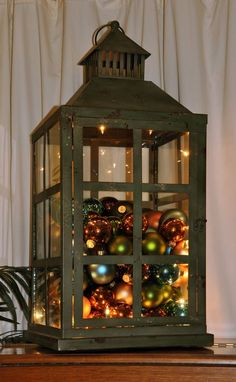 Beautiful Christmas Lantern Centerpieces For Home Decor 11 Lantern Centerpieces, Lanterns Decor, Christmas Centerpieces, Xmas Decorations, Decorative Lanterns, Garden Lanterns, Lantern Christmas Decor, Rustic Christmas, Christmas Crafts