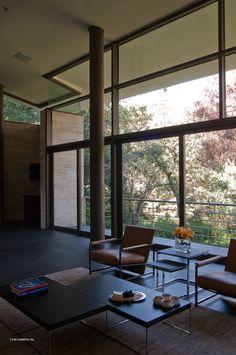 Puertas corredizas // sliding doors  Arquitectura por: Grupo Arquitectura