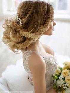 Elstile wedding hairstyles for long hair 6 - Deer Pearl Flowers / http://www.deerpearlflowers.com/wedding-hairstyle-inspiration/elstile-wedding-hairstyles-for-long-hair-6/