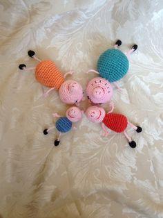 Crocheted Peppa pig Crochet Pig, Crochet Teddy, Crochet World, Love Crochet, Crochet Animals, Crochet Toys, Pig Crafts, Yarn Crafts, Amigurumi Patterns