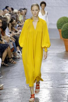 Nice Seen on the Catwalk: Die Top-Farben für Spring/Summer 2017... style Check more at http://fashionie.top/pin/23726/
