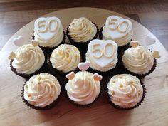 50th Wedding Anniversary Cakes | 50th golden Wedding Anniversary cupcakes | Decorated Cakes and cupcak ...