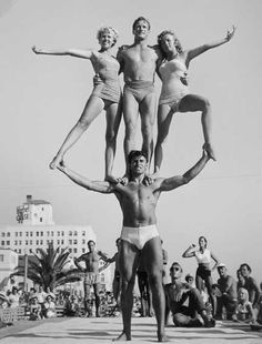 muscle beach 1952......i know the man in the middle. go russ go, russell saunder RIP