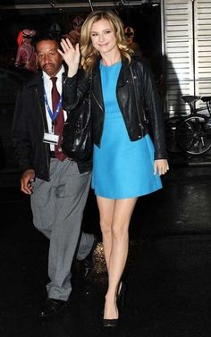 Emily VanCamp Fashion and Style - Emily VanCamp Dress, Clothes, Hairstyle