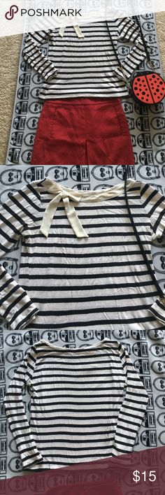 Loft bow collar striped tee Adorable, comfortable, matches everything, can be dressed up or down; great gently worn condition; size: xsp but fits like an sp LOFT Tops Tees - Long Sleeve