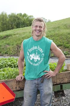 peter king, a farm king not him exactly, tge youngest one for sure! love the show!!