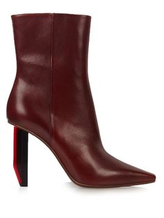 VETEMENTS Reflector-Heel Leather Ankle Boots. #vetements #shoes #boots