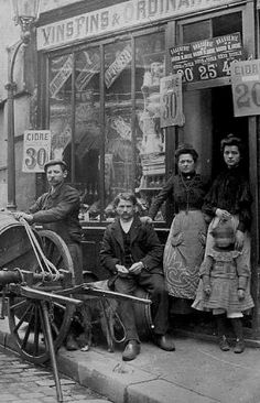 Paris of olde Antique Photos, Vintage Pictures, Vintage Photographs, Old Pictures, Old Photos, Belle Epoque, Art Nouveau, Art Deco, I Love Paris