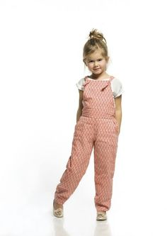Tardes calurosas... ideales para llevar estos monos fresquitos y muy de moda! Encuéntralos en www.sunestkids.com
