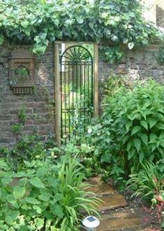Looking Glass Gates - Garden Mirrors
