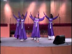 The Victory Praise Dancers ministered at Dorinda Clark Cole's Singers & Musicians Conference in Los Angeles @ FCBC. They minister to  Dornida Clark Cole's new CD entitled  I SURVIVED!..................filmed by Touch The World TV FlipCam    For more information on Victory Praise Dancers contact Robin Deane at dancervictory@gmail.​com