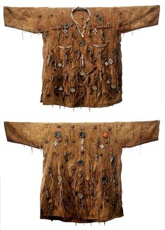 Africa | Hunter's shirt (front and back) from the Bamana/Dogon people of Mali. | © Tim Hamill