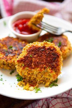 Schnelle Veggie Frikadellen Deluxe - Kochkarussell - My list of the most healthy food recipes Cauliflower Recipes, Veggie Recipes, Seafood Recipes, Vegetarian Recipes, Snack Recipes, Cooking Recipes, Healthy Recipes, Cauliflower Fritters, Corn Fritters
