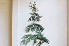 Tree Branches Decoration Ideas Beautiful 17 Christmas Decorating Ideas for Small Spaces Small Real Christmas Trees, Wall Christmas Tree, Diy Christmas Ornaments, Beautiful Christmas, Christmas Home, Christmas Tree Decorations, Christmas Ideas, Polish Christmas, Tropical Christmas