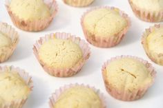 These tiny Africa Baobab cupcakes are perfect for a unique taste of summer! Superfood, Muffin, Africa, Cupcakes, Sweets, Baking, Breakfast, Unique, Creative