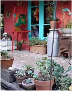 porch plants, Painting spot, old rusted stuff, fun! Outdoor Spaces, Outdoor Living, Outdoor Decor, Porch Plants, Red Walls, Mexican Style, Interior Exterior, House Colors, Boho Decor