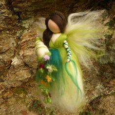 *Glückselfe -grün* von Lichtwurzel auf DaWanda.com