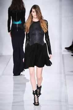 The 5 best looks from the LFW collections. See them here.