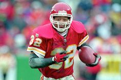 Marcus Allen, Kansas City Chiefs- I remember! Kc Football, Kansas City Chiefs Football, Football Hall Of Fame, Kansas City Royals, American Football League, National Football League, Sports Stars, Nfl Sports, Tomahawk Chop