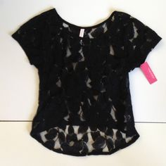 Sheer leaf print top from Target! New with tag! Never worn! Black leaf print. Size XS. Would look cute with a tank or bandeau underneath. ➡➡The price is negotiable and I will consider ALL offers!⬅⬅ Xhilaration Tops