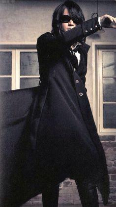 revo | Tumblr Solo Pics, Gerard Way, Visual Kei, Tumblr, Fashion, Shingeki No Kyojin, Bands, Moda, Fashion Styles