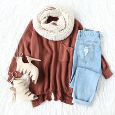 Sweater weather, better weather. ❤ #sweaterweather #loosesweater #fallfashion