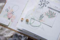 10 ans d'amour...et un mini album pour les Jolies Créations... Mini Album Scrap, Mini Albums Scrapbook, Pochette Cd, Tampons Transparents, Photos Originales, Brin, Le Jolie, Creations, Scrapbooking