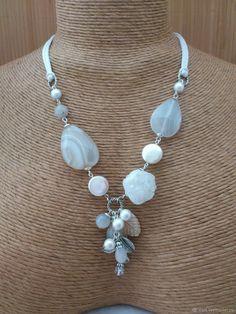 Baby Jewelry, Fashion Jewelry Necklaces, Handmade Necklaces, Jewelery, Handmade Jewelry, Short Necklace, Diy Necklace, Diy Jewelry Videos, Gemstone Jewelry